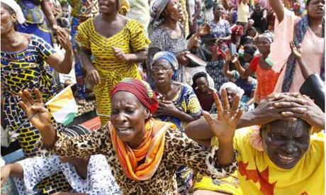 Women pray for peace