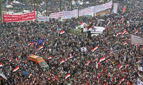Hundreds of thousands gatherd on Tahrir suare demanding immediate transfer of power from the militar