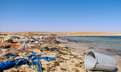 A garbage-ridden beach on the Red Sea Coast – Photo by Mohamed El Hebeishy
