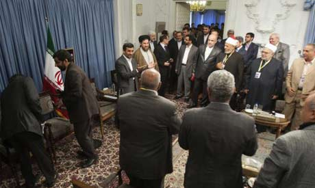 Iranian President Ahmadinejad welcomes Egyptian experts as he attends meeting in Tehran