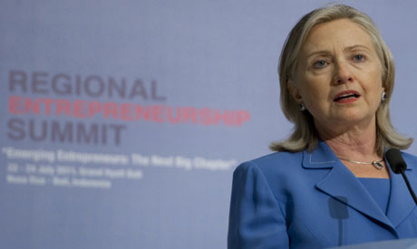 Clinton speaks at the Regional Entrepreneurship Summit in Indonesia (AP photo)