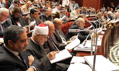 Salafists and liberals exchange fire over the draft constitution
