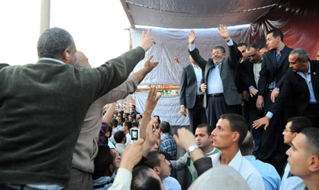 Brotherhood calls for mass protests Sunday in support of Morsi decree