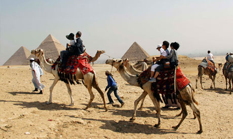 Egypt to recieve around 12 million tourists in 2012