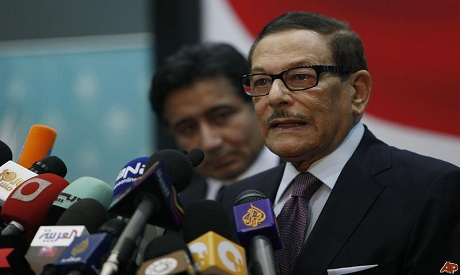 Senior official of Mubarak's ruling National Democratic Party, NDP, Safwat el-Sherif, attend a press