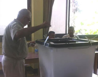 Inside a Dokki polling station (Photo: Ekram Ibrahim)