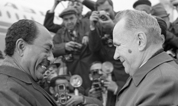 Chairman of the USSR Council of Ministers Alexei Kosygin and Anwar Sadat