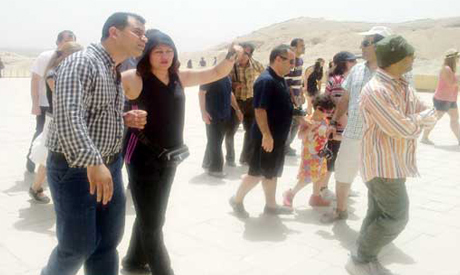 Iranian tourists in egypt