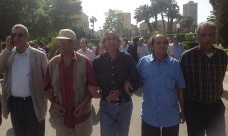 Artists march to Culture Minister