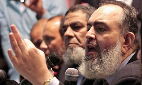 Hazem Salah Abu Ismail (R), a Salafist leader