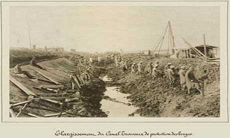 Widening of the canal to protect canal banks by Arnoux 1869-1885