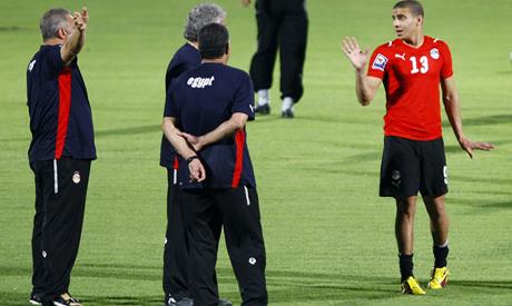 Mohamed Zidan with coach Hassan Shehata