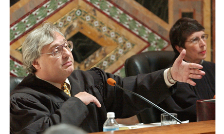 In this Sept. 22, 2003 file photo, Judge Alex Kozinski, of the 9th U.S. Circuit Court of Appeals, ge