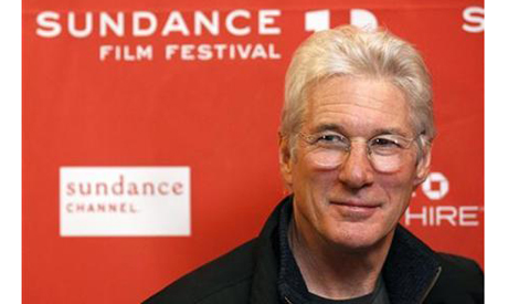 Richard Gere poses at the premiere of the film