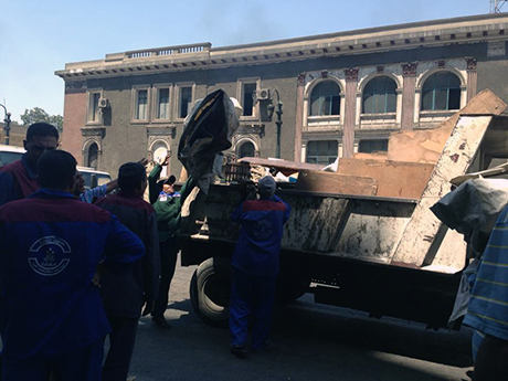 Street vendors evacuated by police (Photo: Marina Barsoum)