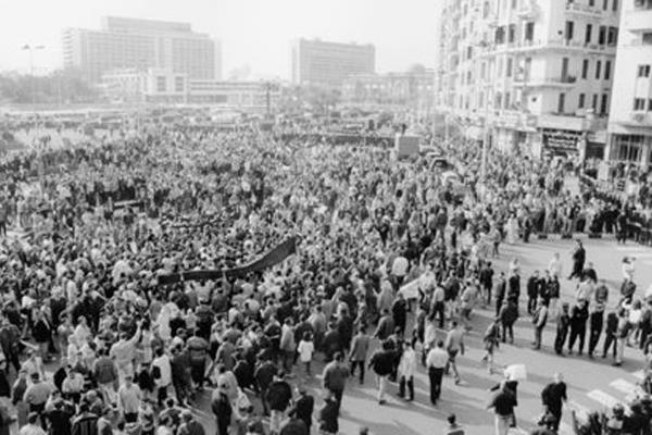 The 2003 protests in Tahrir Square against the US-led invasion of Iraq (Photo: Randa Shaath)