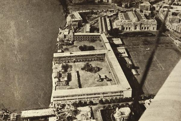 The barracks of the British troops in Cairo circa 1905 where Tahrir stands today