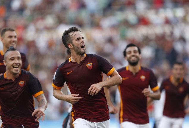 PHOTO GALLERY: Roma defeat Juventus in Italy, Manchester United lose in England