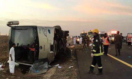 bus overturned on the Mecca-Medina road