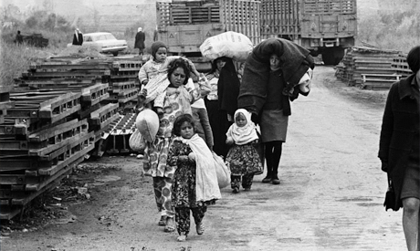 Palestinians fleeing their homes in the aftermath of 1948 war