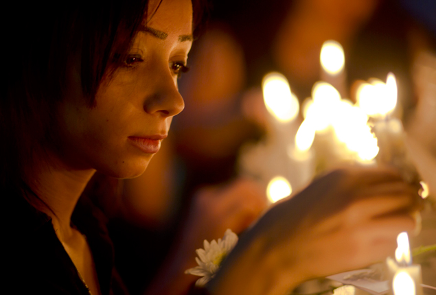 PHOTO GALLERY: Egyptian journalists hold candlelight vigil for victims of EgyptAir flight 804