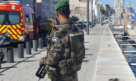 2 dead in suspected terror attack at French train station