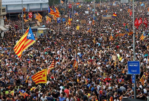 PHOTO GALLERY: A strike in Catalonia for independence