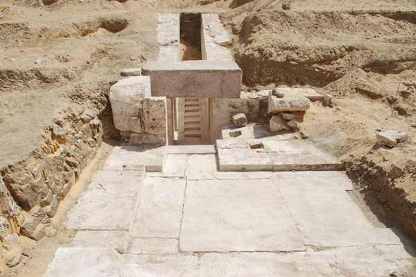 Archaeologists discover remains of new pyramid near Cairo, Egypt
