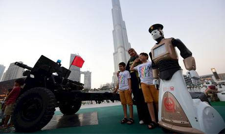 Robocop joins Dubai police to fight real life crime