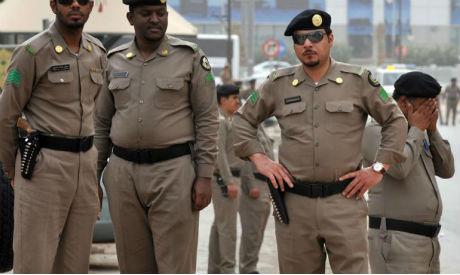 Saudi policemen