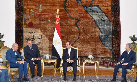 Abbas discusses peace efforts with el-Sisi