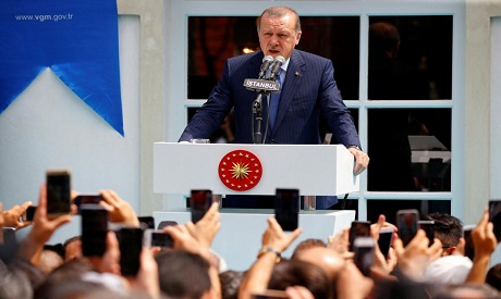 Turkey urges Iraqi Kurds to abandon independence vote