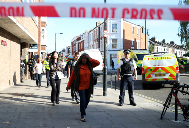 PHOTO GALLERY: Shock and tears in London after subway terror attack