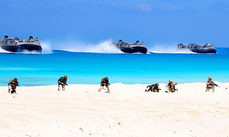US Navy Landing Craft Air Cushion make an amphibious landing during Bright Star 2009 (Photo: US DoD)