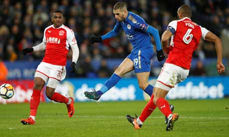 Chelsea make contact with Leicester for Slimani loan deal