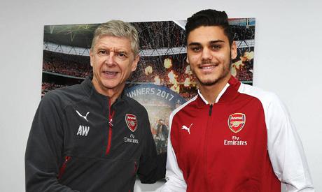 Greek defender Mavropanos with Arsenal Manger Wenger (Photo: www.arsenal.com)
