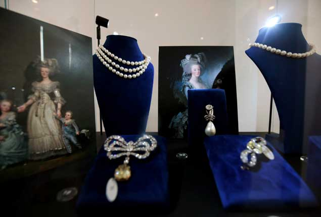 PHOTO GALLERY: Queen Marie Antoinette of France jewelry displayed in Dubai before auction