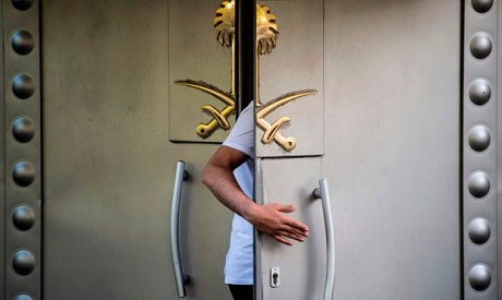 A Saudi official enters the door of the Saudi consulate in Istanbul  (Photo: AFP)