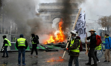Yellow vests protestors