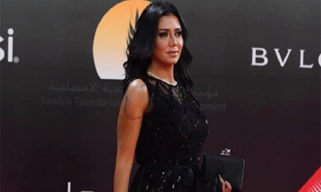 Egyptian actress to be tried for wearing revealing dress