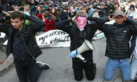 school children demonstration