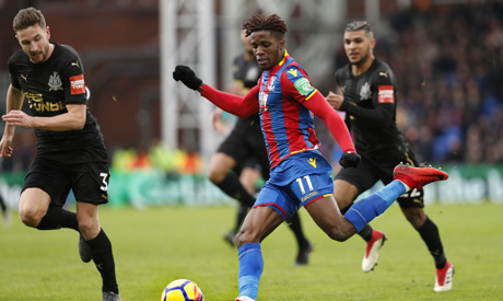 Crystal Palace's Wilfried Zaha out at least a month with knee injury
