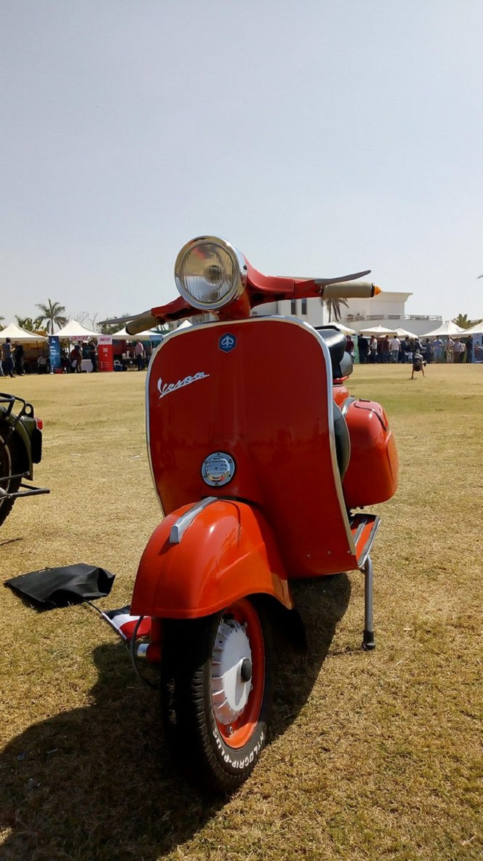 vespa photo by Amira Noshokaty