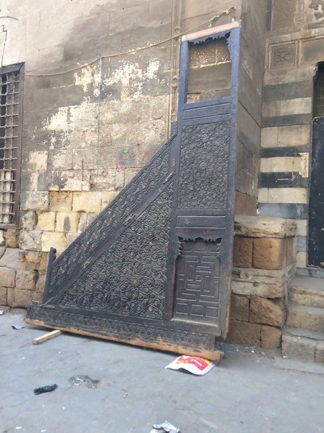 Historic islamic cairo mosques without khutba pulpits for Decoration khotba
