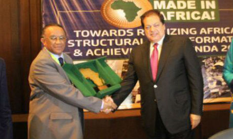 Mohamed Abu Elenein receives the Best Manufacturer in Africa award.