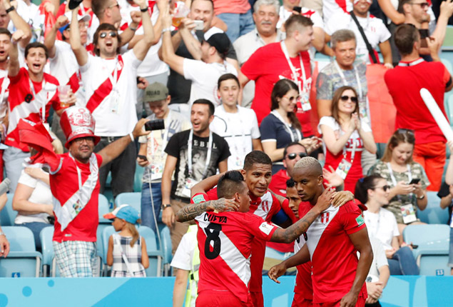 PHOTO GALLERY: Peru beat Australia and wave goodbye to the World Cup