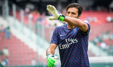 aeb6713d8 Paris Saint-Germain s Italian goalkeeper Gianluigi Buffon gestures during  the warm up session before the International Champions Cup (Photo  AFP)