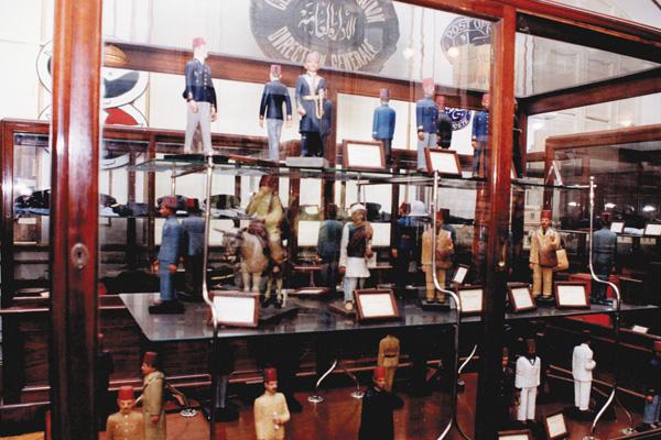 Models of the old postmen uniforms