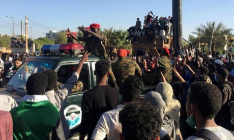 Sudanese demonstrators against Omar Al-Bashir
