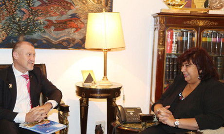 Ambassador of Australia to Egypt Glenn Miles during his meeting with Culture Minister Ines Abdel-Day